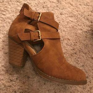 Shoedazzle Tan Booties